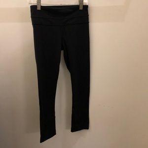 Lululemon black crop legging, sz 2, 71321